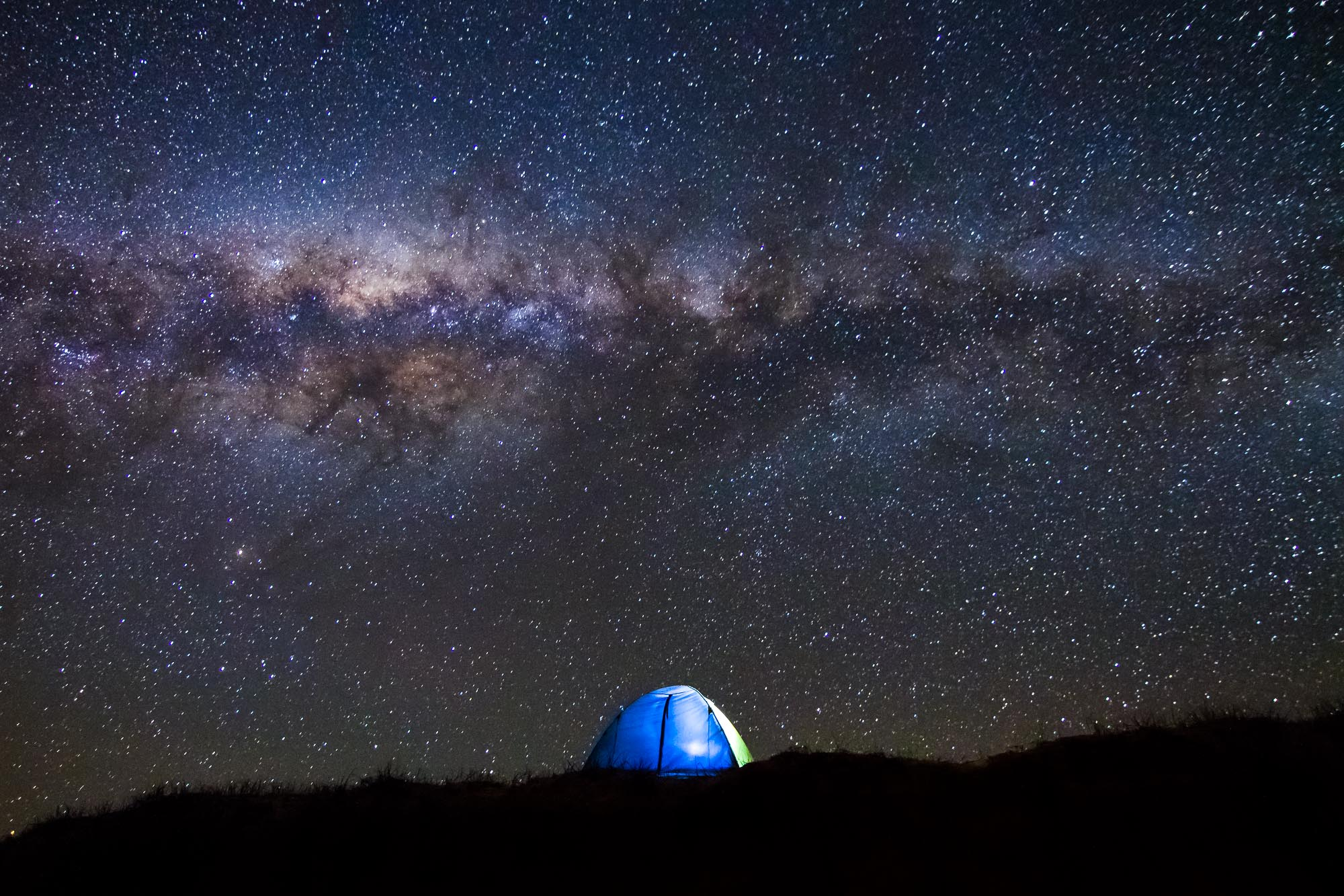 camping-tent-under-the-stars-milky-way-australia-fraser-island