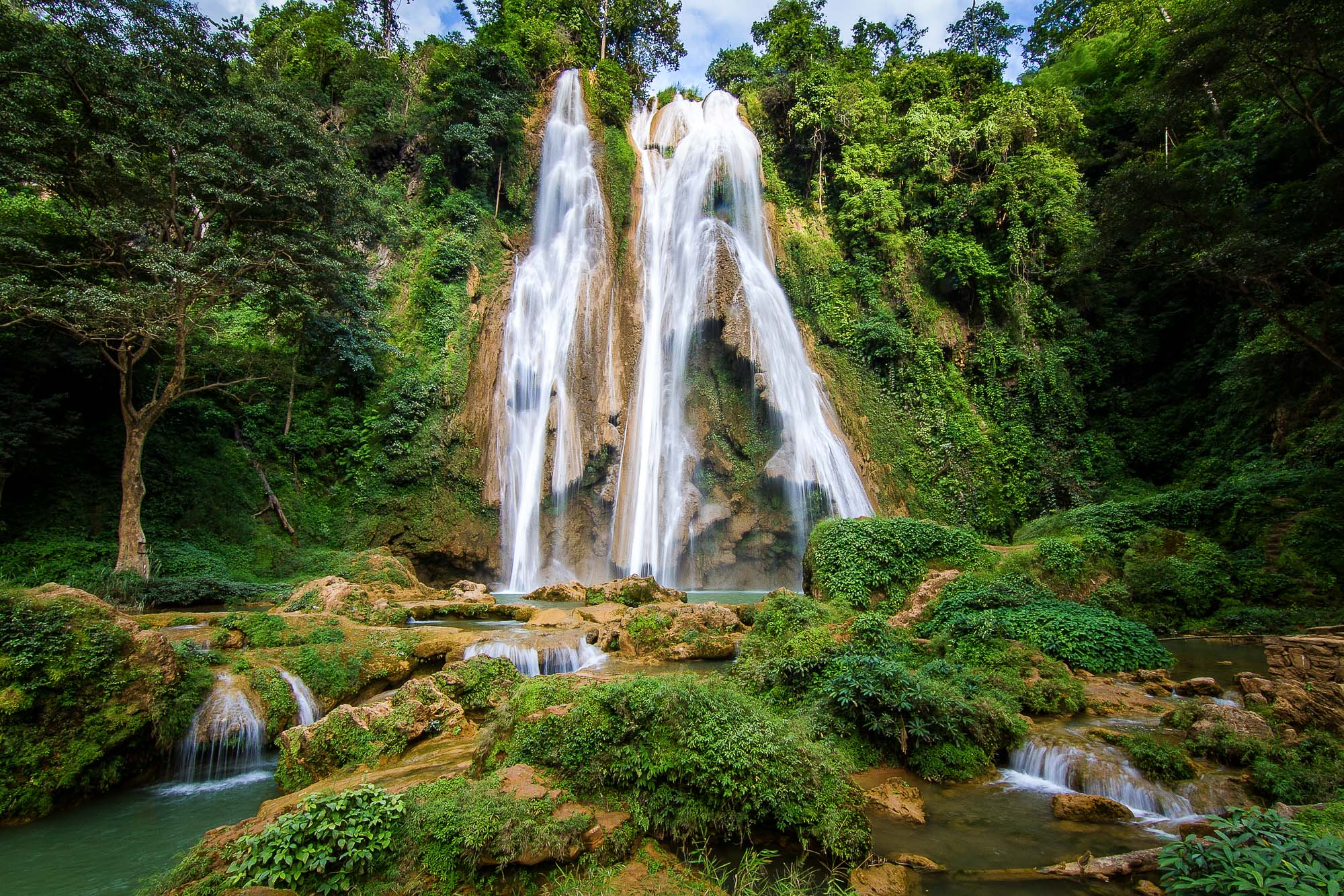 big-waterfall-myanmar